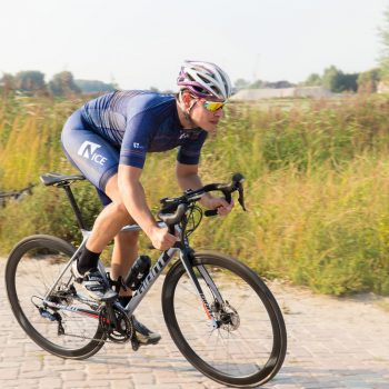 Wielrenner met Nicesports outfit